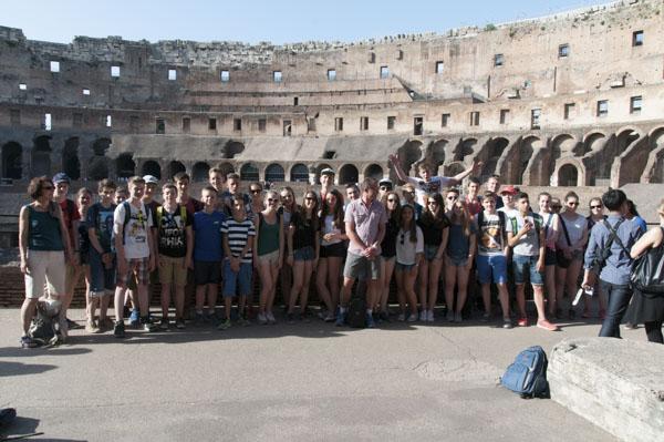18_Gruppenfoto_Kolosseum