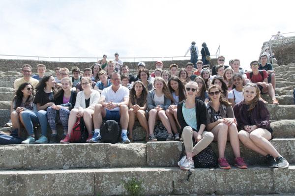 48_Gruppenfoto_Theater_Ostia_Antica