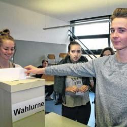 Gymnasiasten testen Wahlverfahren